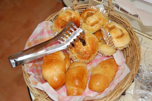 手作りパン・ベーグル・ケーキも、貴方の心をforza!にします。