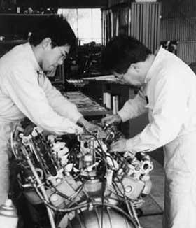 昭和23年創業、国家一級整備士だけが、あなたのお車を直接整備する、岡山県瀬戸内市の自動車整備工場