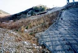 ダム建設での資材運搬にも