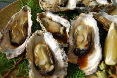 殻付き牡蠣の焼き牡蠣